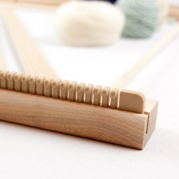 A Weaving Frame & Weaving Kit (20\
