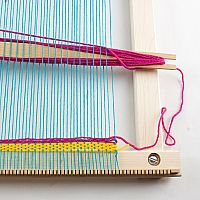 "20"" Weaving Frame with Stand - The Deluxe!"